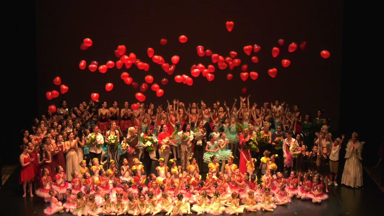 Danza contemporanea, corsi e lezioni di danza moderna Danzainsieme Treviso, Manuela Pagot e la scuola di danza effettuano corsi sulla sperimentazione del movimento per giovani allievi
